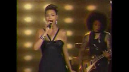 Beyonce - Listen (на живо при Oprah)