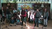 Дядо Коледа ела - Ванеса Найденова и Детска вокална група