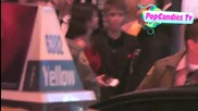 Justin Bieber and Selena Gomez kissing!!