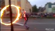 Каскада с мотор през горящ обръч