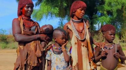 Племето Хамар пази традициите си и до днес (
