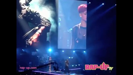 Eminem Feat. Rihanna - Love The Way You Lie .. Perform Live in Los Angeles!