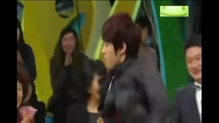 Infinite Myungsoo(l) and Sungyeol Funny Dance
