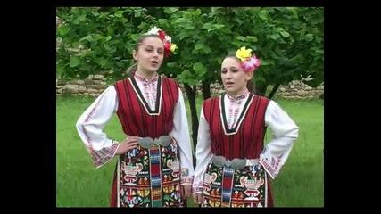 Валерия Монева & Ивелина Кунова - Листни се горо