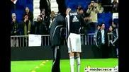 Луд Смях ! Треньор на Реал бърка в гащите на Бензема :d
