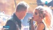 """Никол Шерцингер със секси рокля на червения килим на """"Грами"""""""