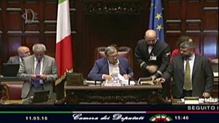 Italy: MPs back same-sex civil unions in historic vote