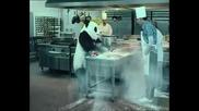Панда в кухнята *смях*