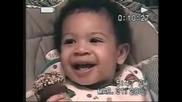 Бебе Прави лош поглед много Смях