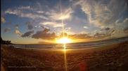 изгрев на Хавайският бряг.•красота и изящество в Time-lapse.