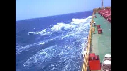 Корабче В Бурното Море