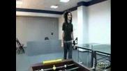 Бил От Tokio Hotel Сe Разпява