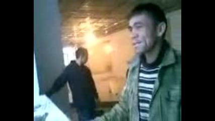 Таджик - Индийска песен - - Смях