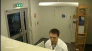 Жестока шега за добро утро от колегите в лабораторията