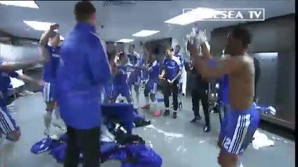 Радостта на Челси в съблекалнята след победа над Ливърпул !