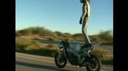 За 18 годишно момиче се справя страхотно! Stunt Rider Girl Brandy Valdez