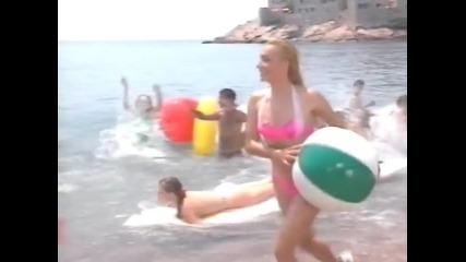 Vesna Zmijanac & Rambo Amadeus - Idemo na more - (Official Video)