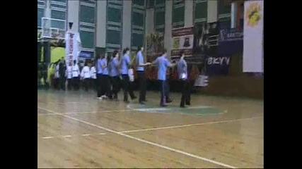 Клуб за народни танци Луди Млади в Пазарджик