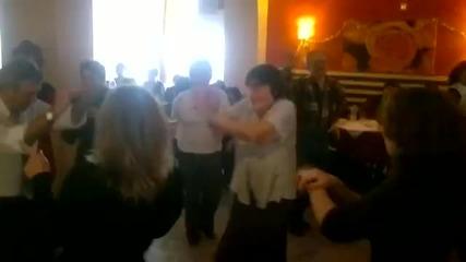 Свищовски пенсионери играят Gangnam style