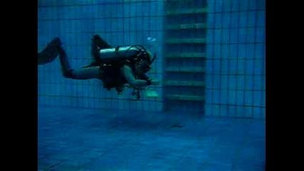 плуване назад