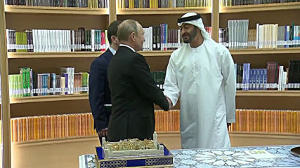 UAE: Gifts galore! Putin and Sheikh Mohammed in gift exchange