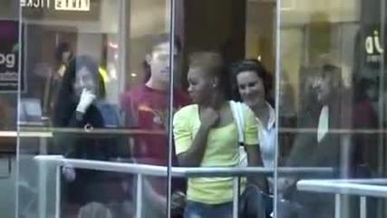 Луд Бийтбоксер в Мола