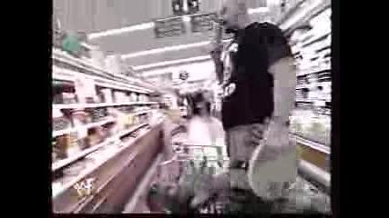 Stone Cold Пребива Booker T В Супермаркет