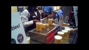 Халби за бира се пълнят през дъното им