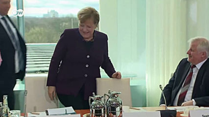 Заради коронавирус: министър отказа да се ръкува с Меркел (видео)
