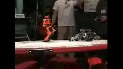 Бой Между Роботи