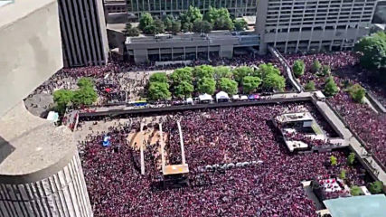 Canada: Stampede after gunfire at Toronto Raptors victory parade