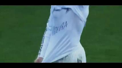 Cristiano Ronaldo - Top 10 Free Kicks 2011-12
