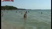 На плажа ми харесват жените... и малко пясъкът