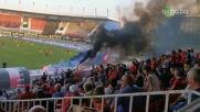Привържениците на Локомотив София се забавляват с димки и факли