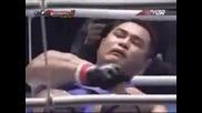 Боксьор Целува Съперника Си - Какво Става После - СМЯХ