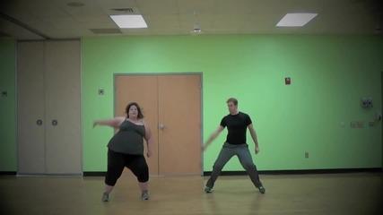 Който си го може, си го може! Пълно момиче танцува на Talk Dirty to Me (jason Derulo)