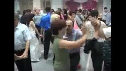 Бързи шамари по време на танц