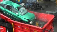 Ето какво може машина за рециклиране на автомобили !