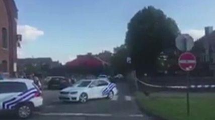 Мъж с мачете рани две полицайки в Белгия