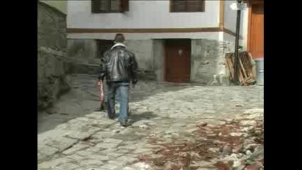 Стара къща падна в Стария град
