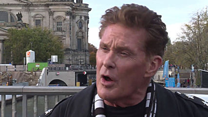 Trabbies honk Hasselhoff's 'Looking for Freedom' in Berlin