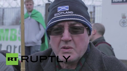 UK: Anti-Trident activists blockade Faslane naval base in nuclear sub protest