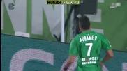 футболист се прави на спайдърмен