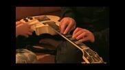 Свирене на китара с моливи