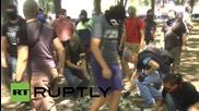 Украйна: Маскирани мъже атакуват регионалната партия в Карков