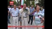 Стотици варненци протестираха срещу вдигането на цената на тока