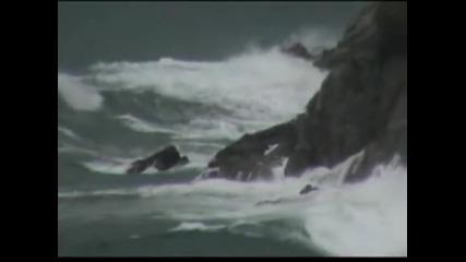 "Ураганът ""Карлота"" достигна  до Мексико"