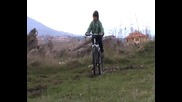 С колело през калта