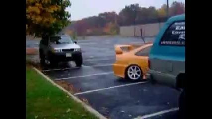Така се паркира ;