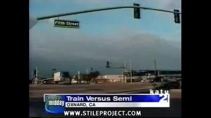 Влак блъска камион